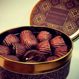 Choc canned pralines