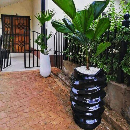 Tower twist planter
